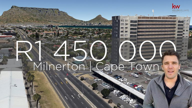 Large 2 bedroom flat with EPIC views in Milnerton